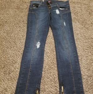 Versace verus jeans